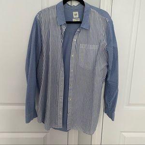 GAP boyfriend fit button up shirt